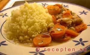 Torskfilé med morötter och vitt vin