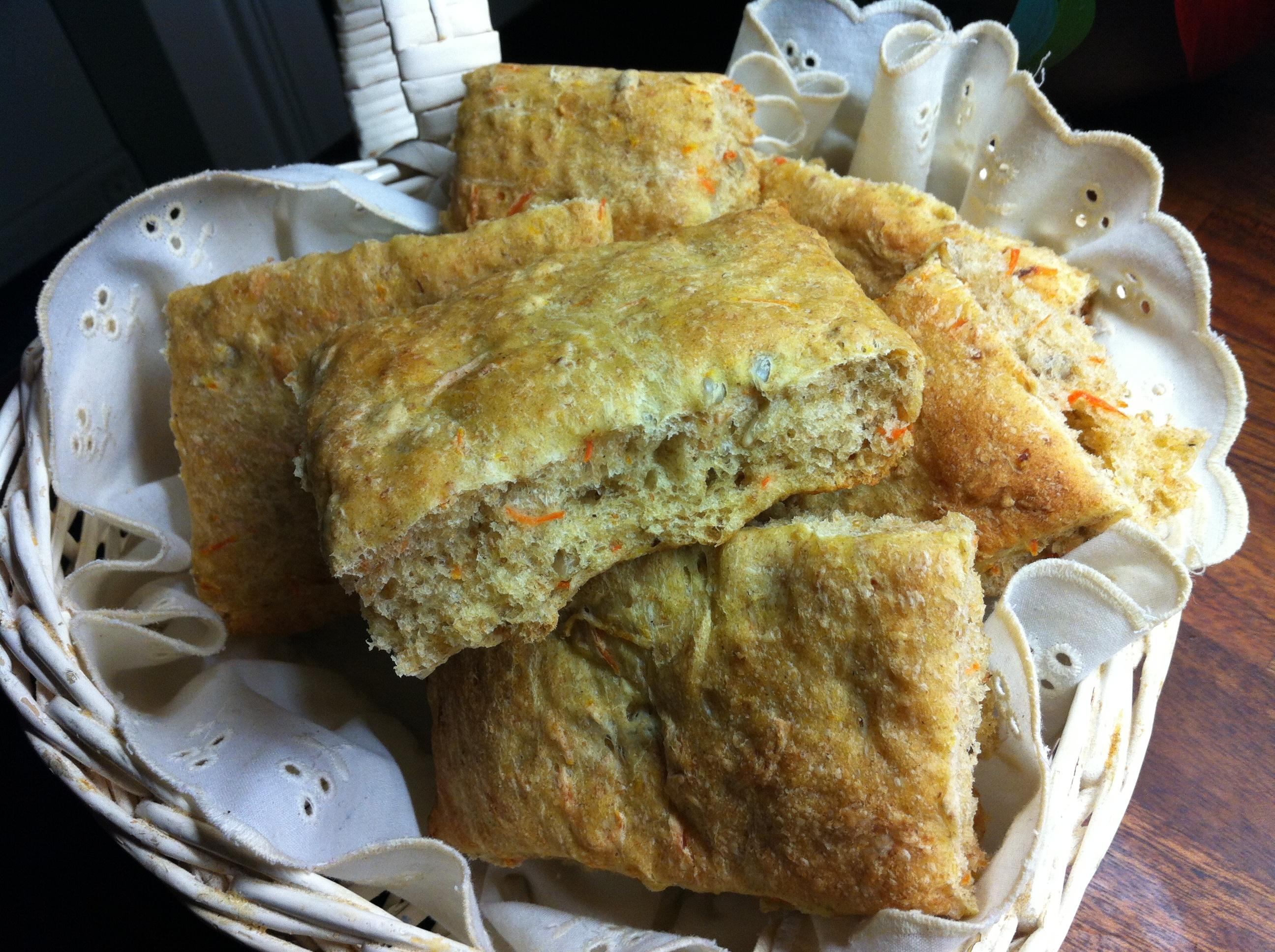 Havregrynsbröd med morotsmarmelad och solrosfrön