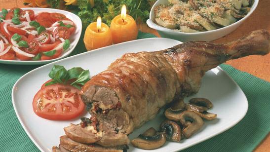 Lammstek fylld med fetaost och tomater