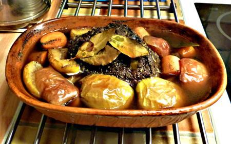 Mumsig stek i lergryta.