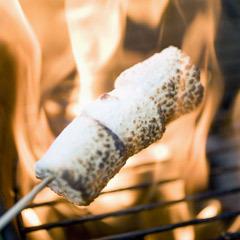Grillade marshmallows + passionsfrukt