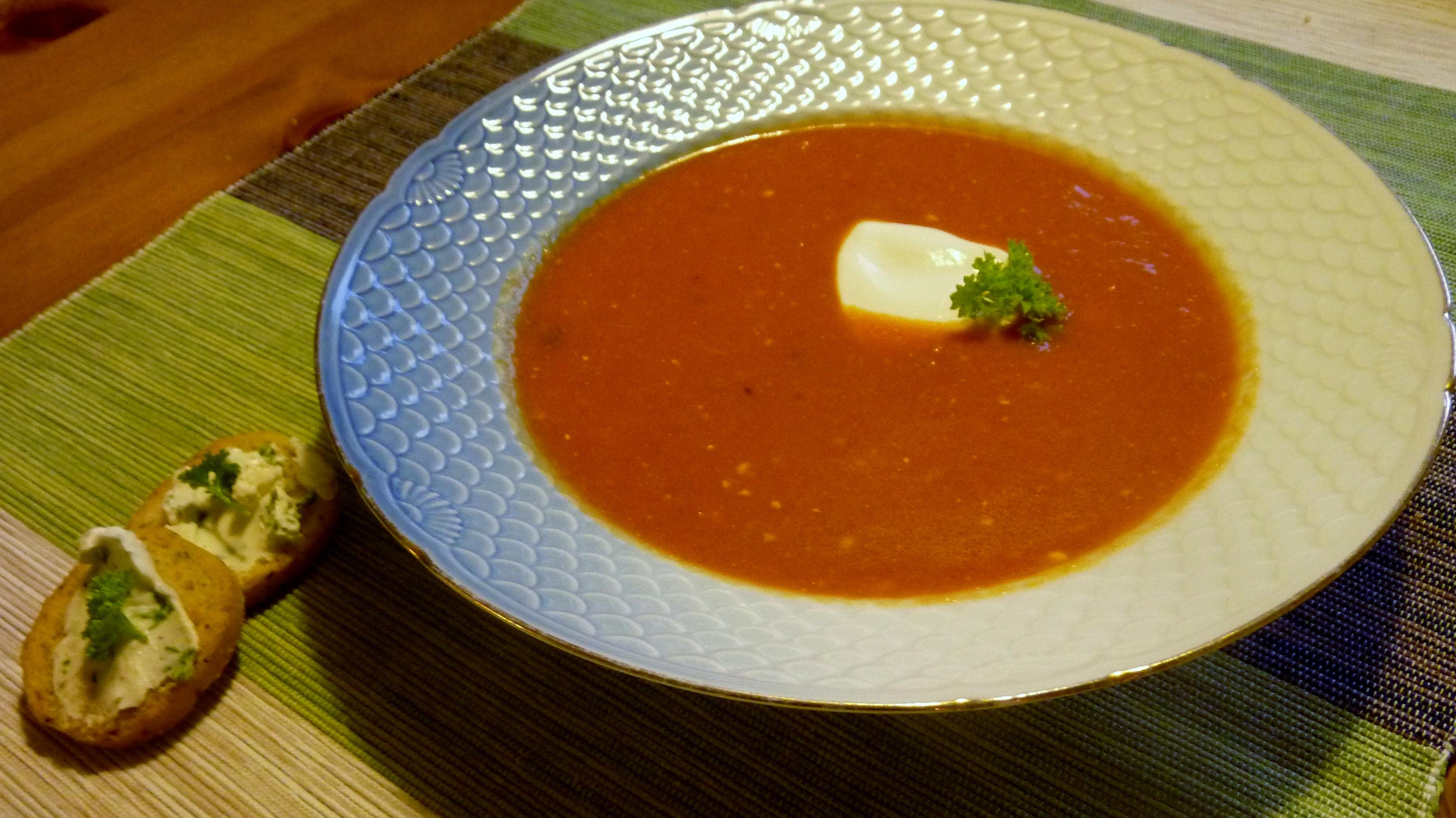 Tomatsoppa med ..