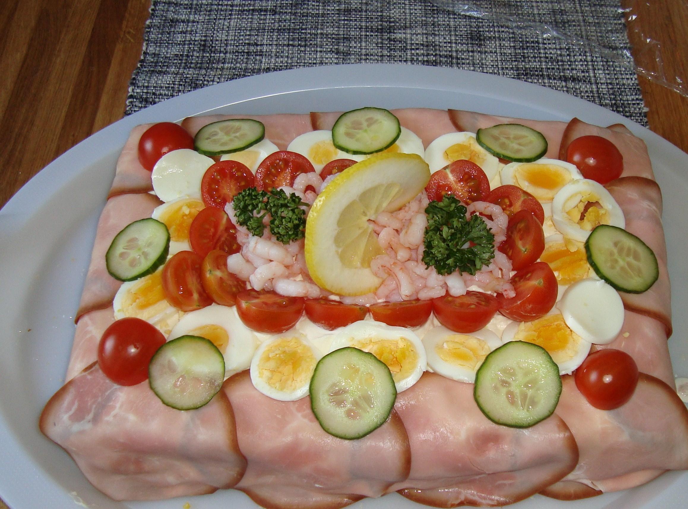 lättgjord smörgåstårta