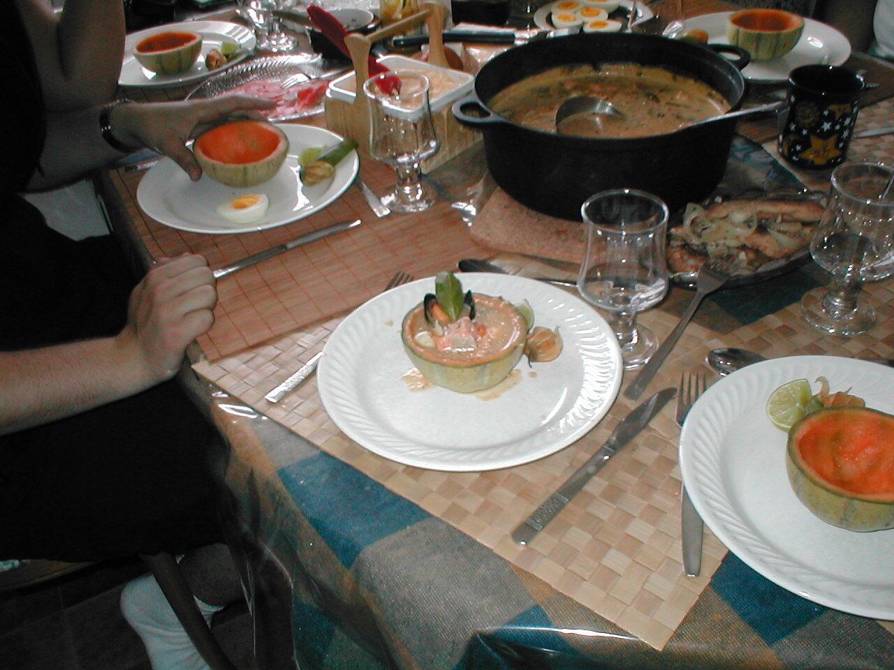 Fisksoppa i melonskål