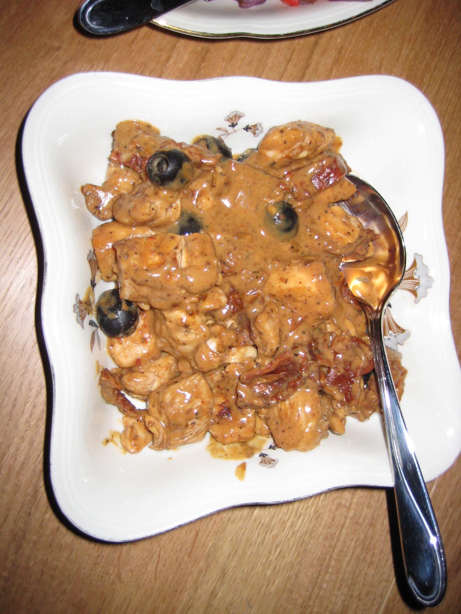 Kyckling gryta m tomat och oliver