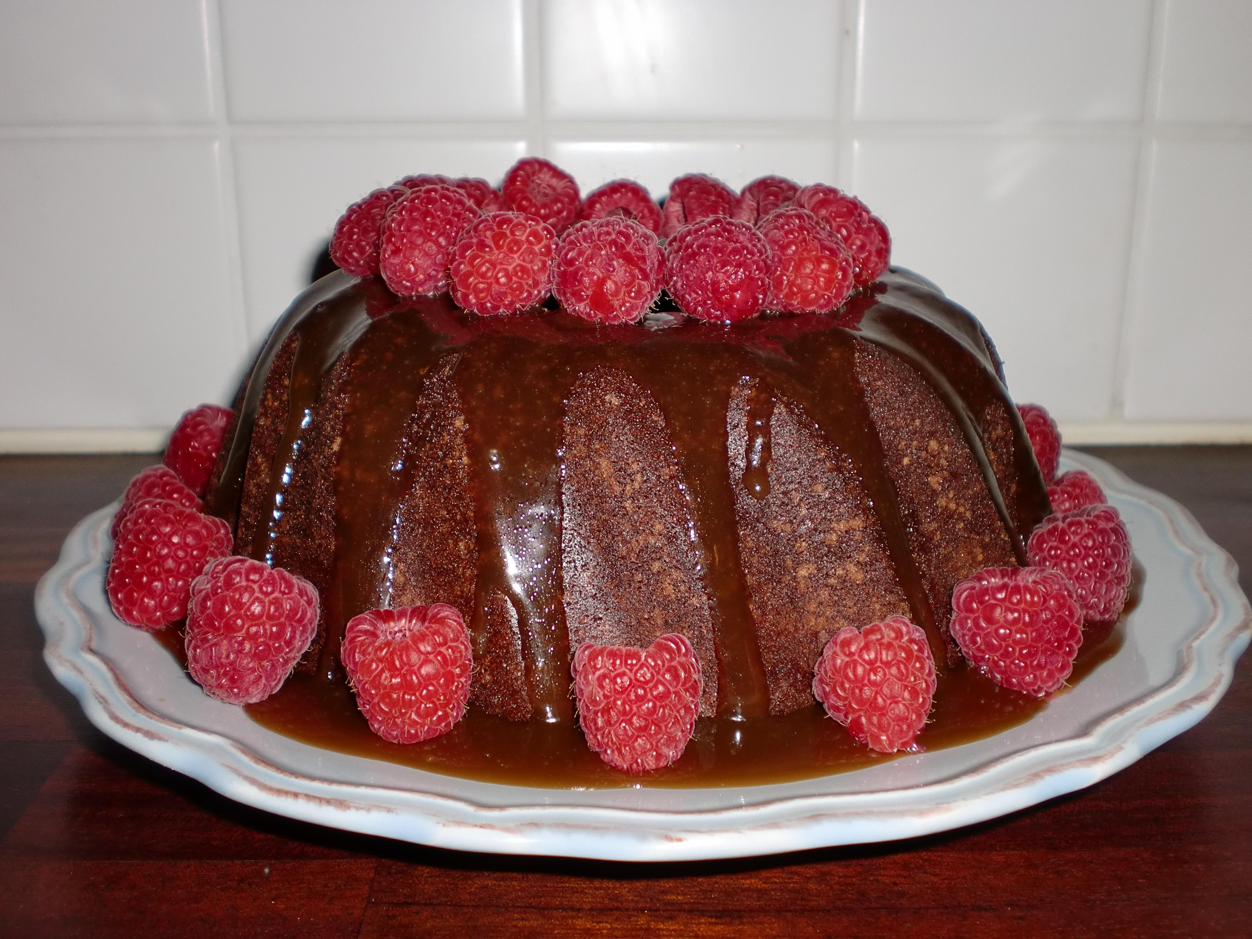 chokladkaka med kolasås