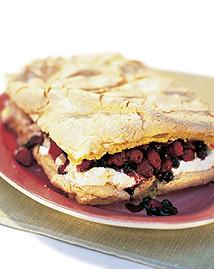Tårta med marängtäcke
