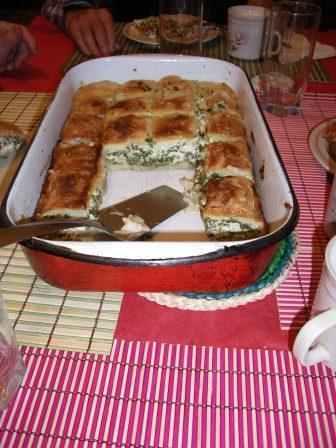 Paj  på filodeg med mangold och ost