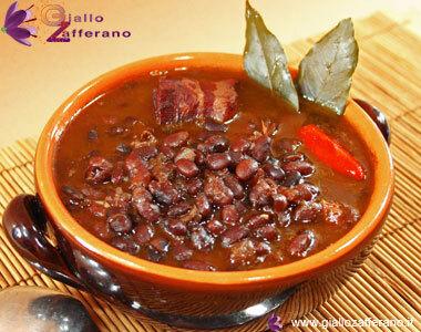 Mexikansk soppa på svarta bönor