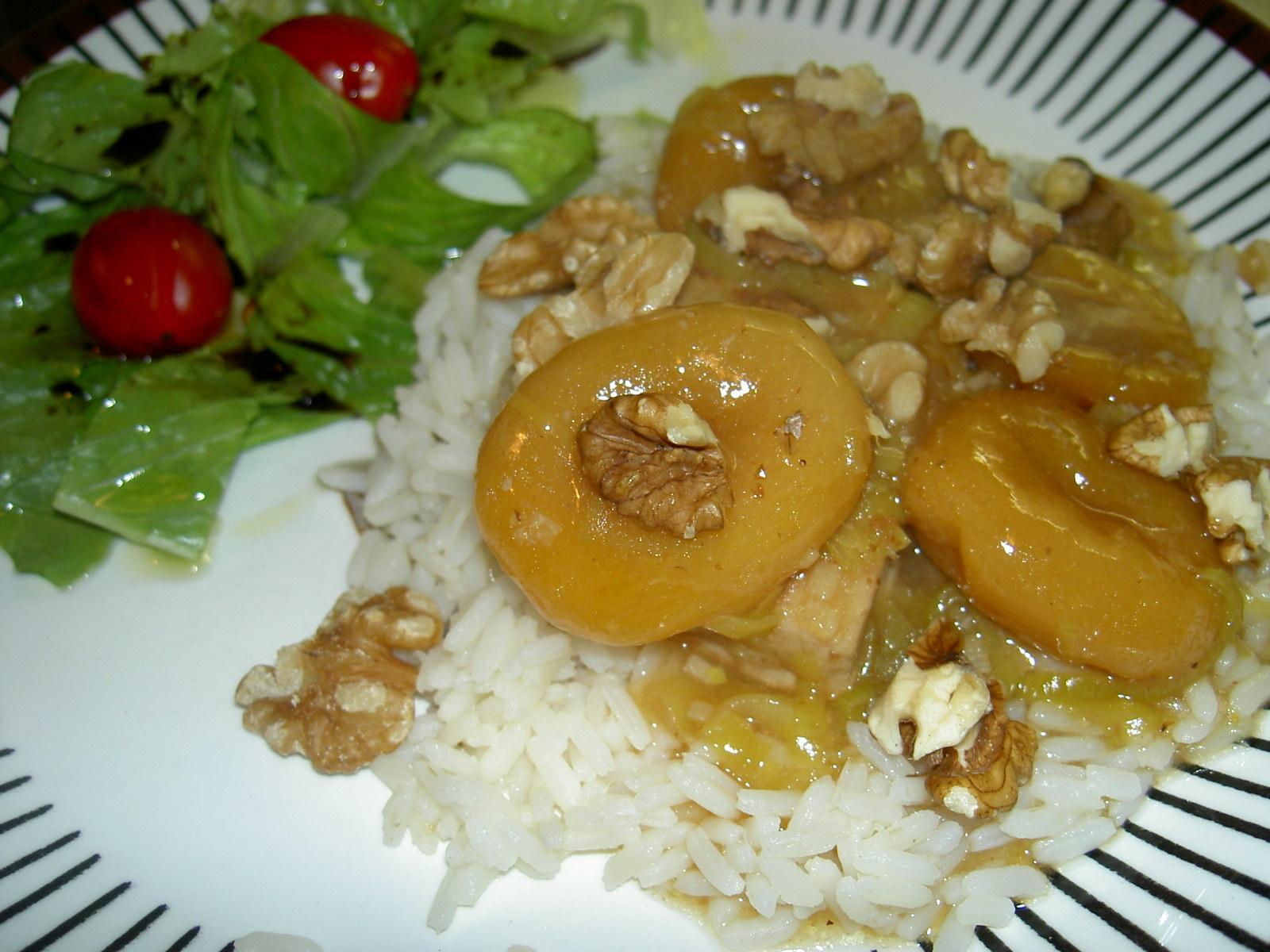 Fläskfilégryta med aprikoser och valnötter