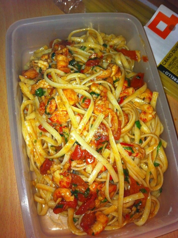 kräftpasta vin chili tomat vitlök