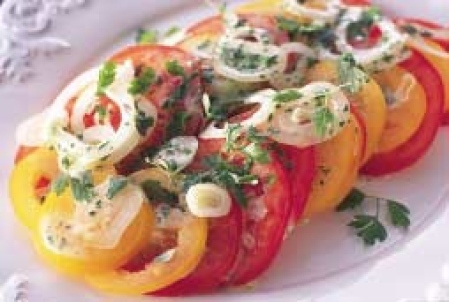 fransk tomatsallad lök