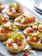Bakad potatis med salami och fetaost