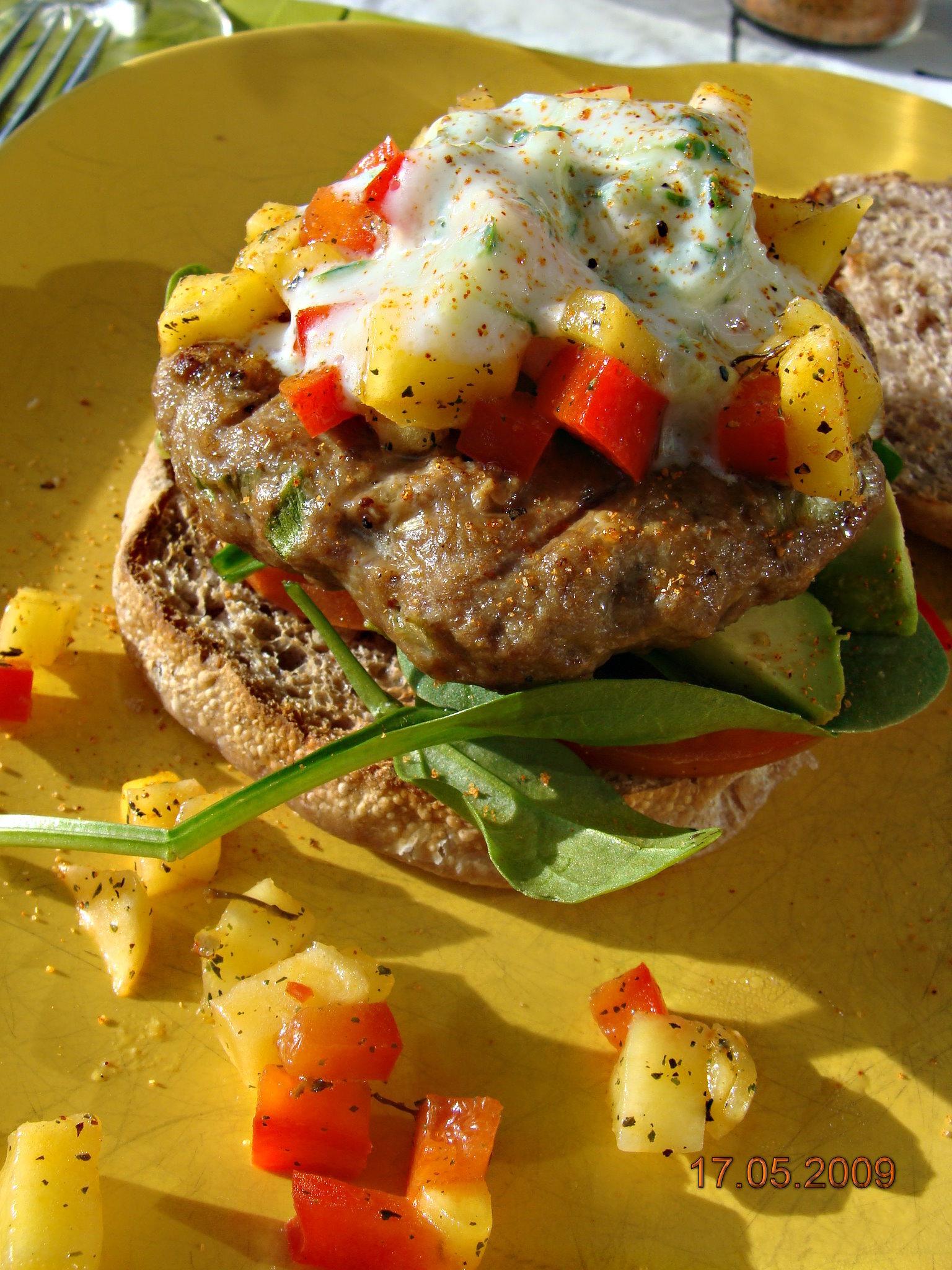 Grillad hamburgare med mangosalsa & avokado