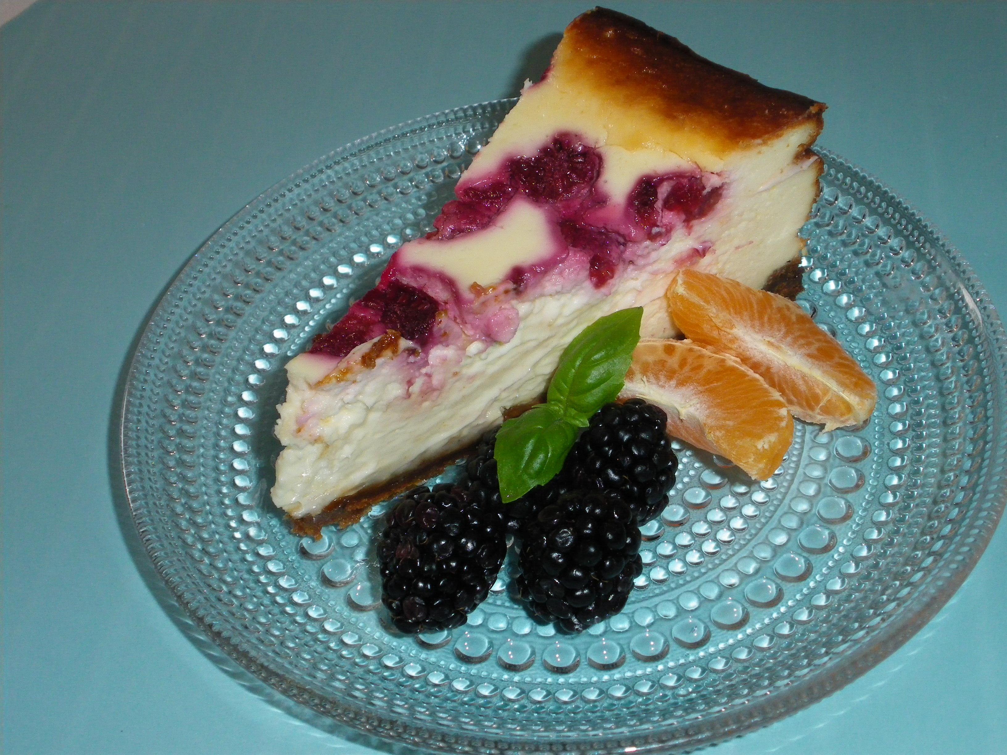 Bärcheesecake med pepparkaka