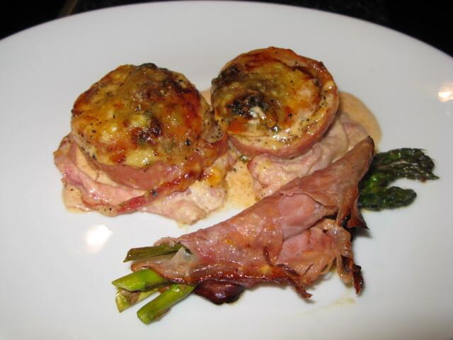falukorv i ugn med bacon