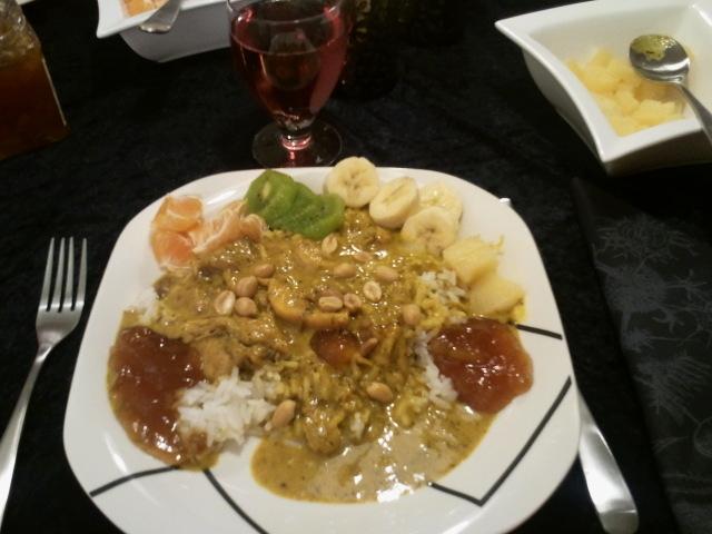 Indisk currygryta med tillbehör