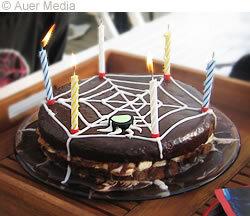 spindelvävstårta med sockerkaksbotten