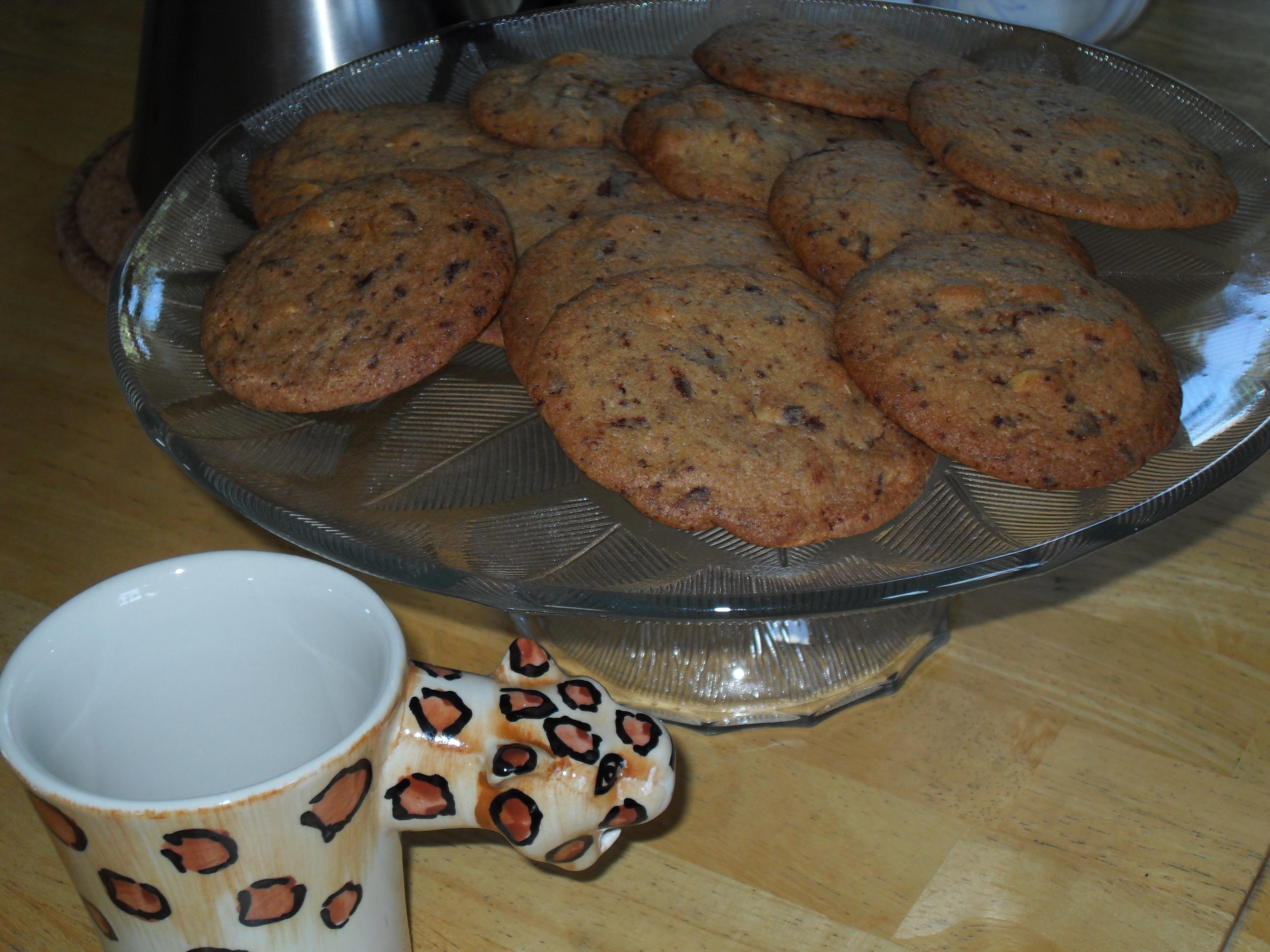 Lättgjorda choklad- och jordnötscookies
