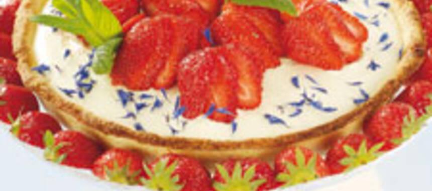 jordgubbspaj med mandelmassa