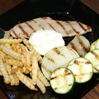 Grillad skinkschnitzel med Tobbes aioli