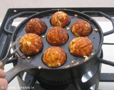 Æbleskiver (danska munkar) av jäsdeg