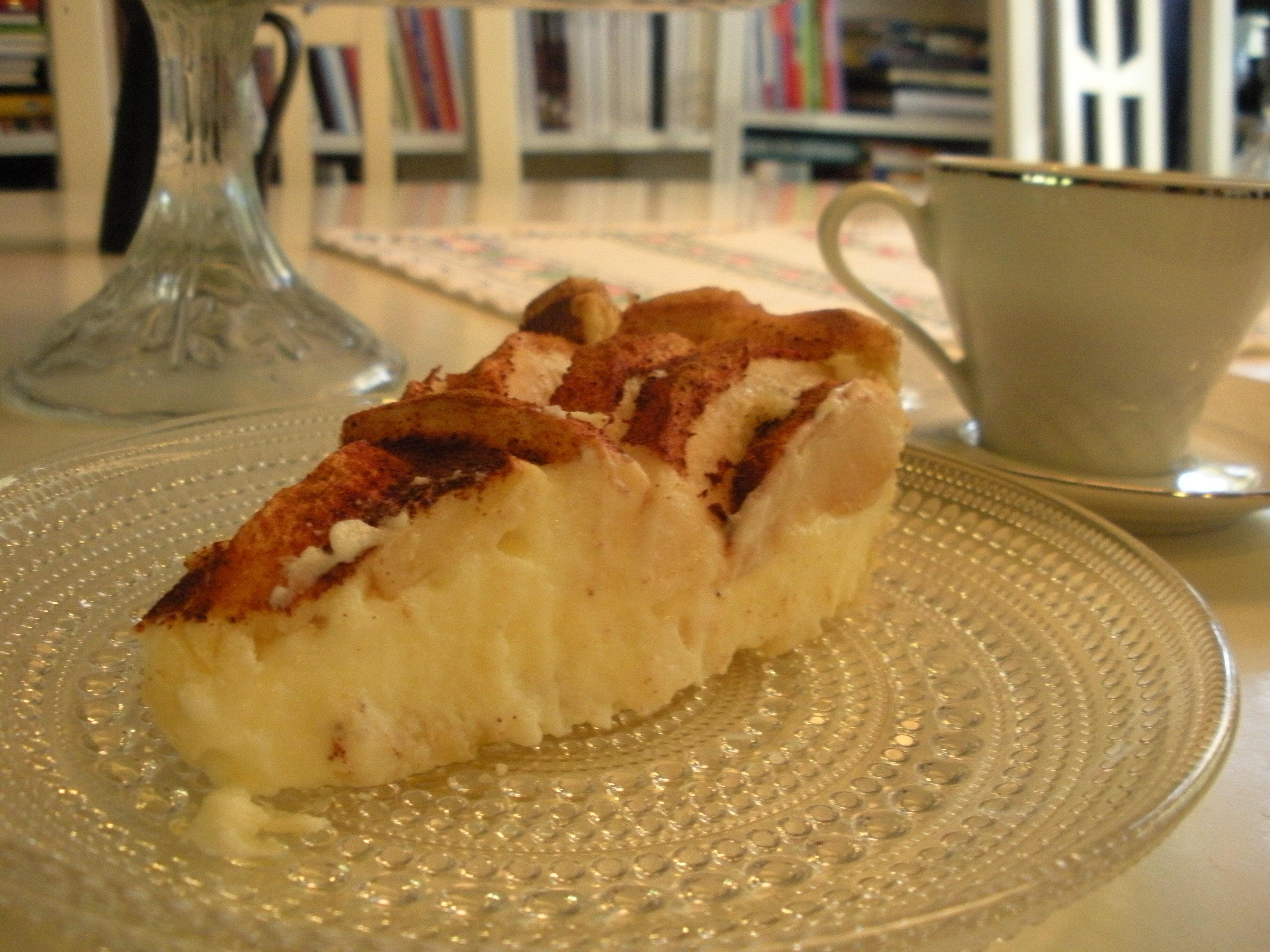 Äppelkaka med färskostfyllning