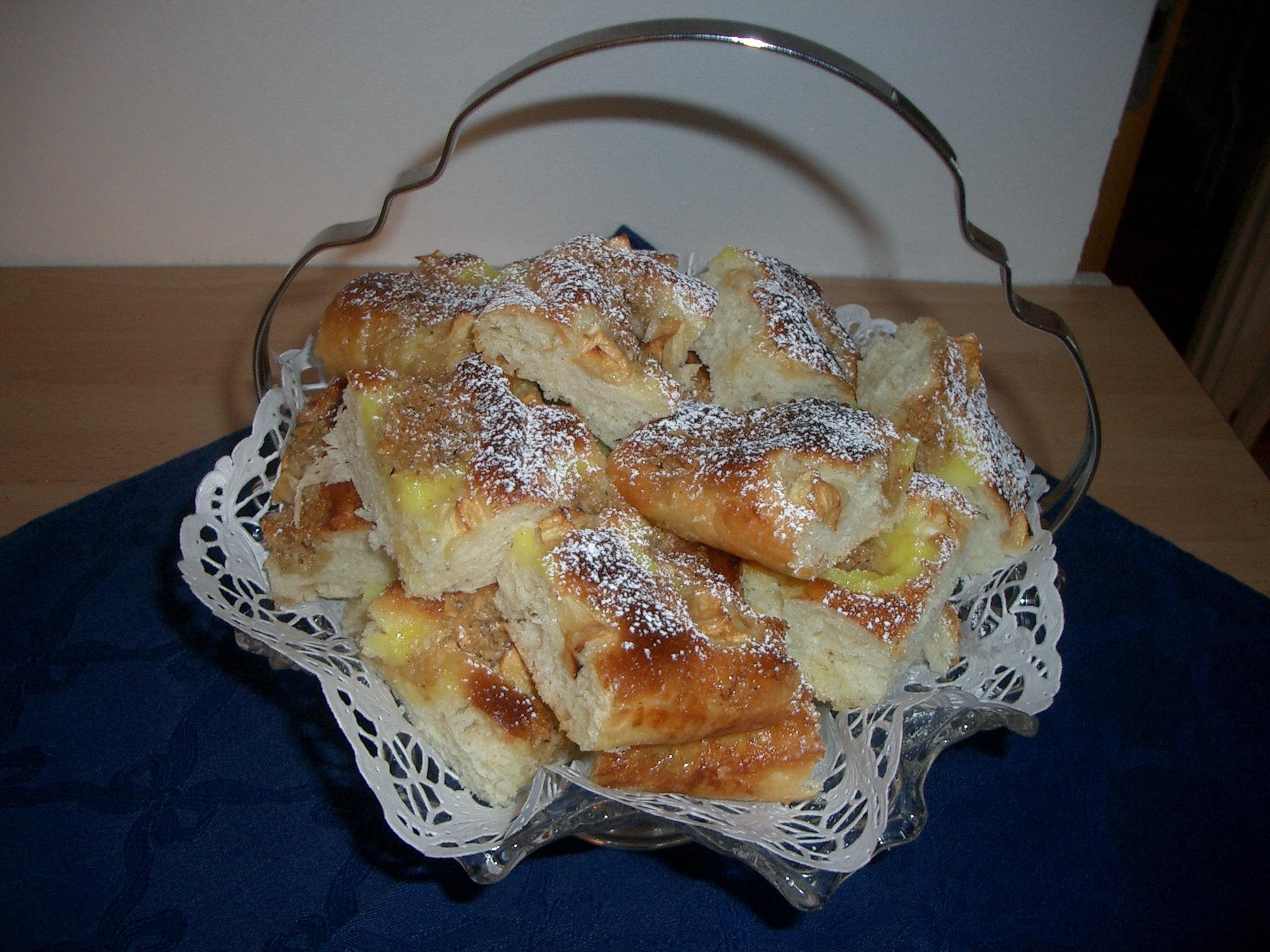 Äppelkaka med doft av kardemumma