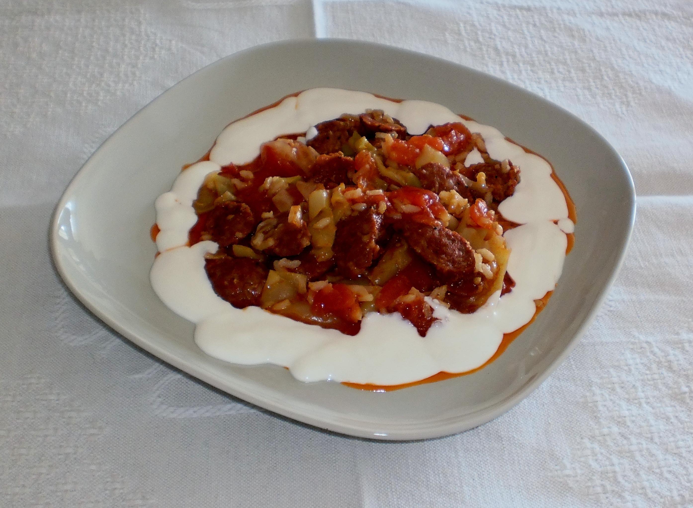 Ungersk grönsaks- och korvgryta - Lecsó