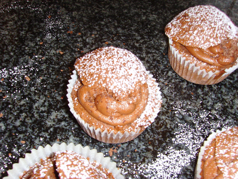 Chokladmuffins med fyllning av mörk choklad