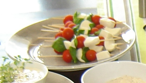 Tomat och minimozarellaspett