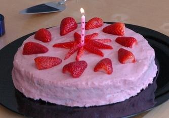 Cheesecaketårta med jordgubbar