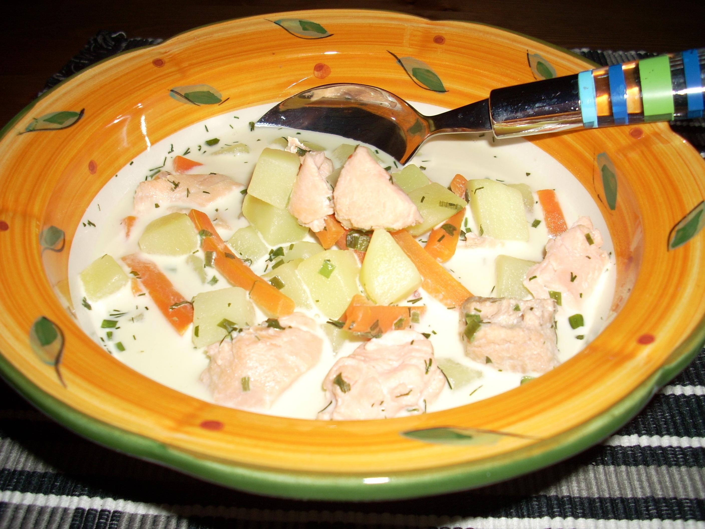 fisksoppa lax potatis morötter