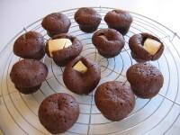 Minimuffins med två sorters choklad.