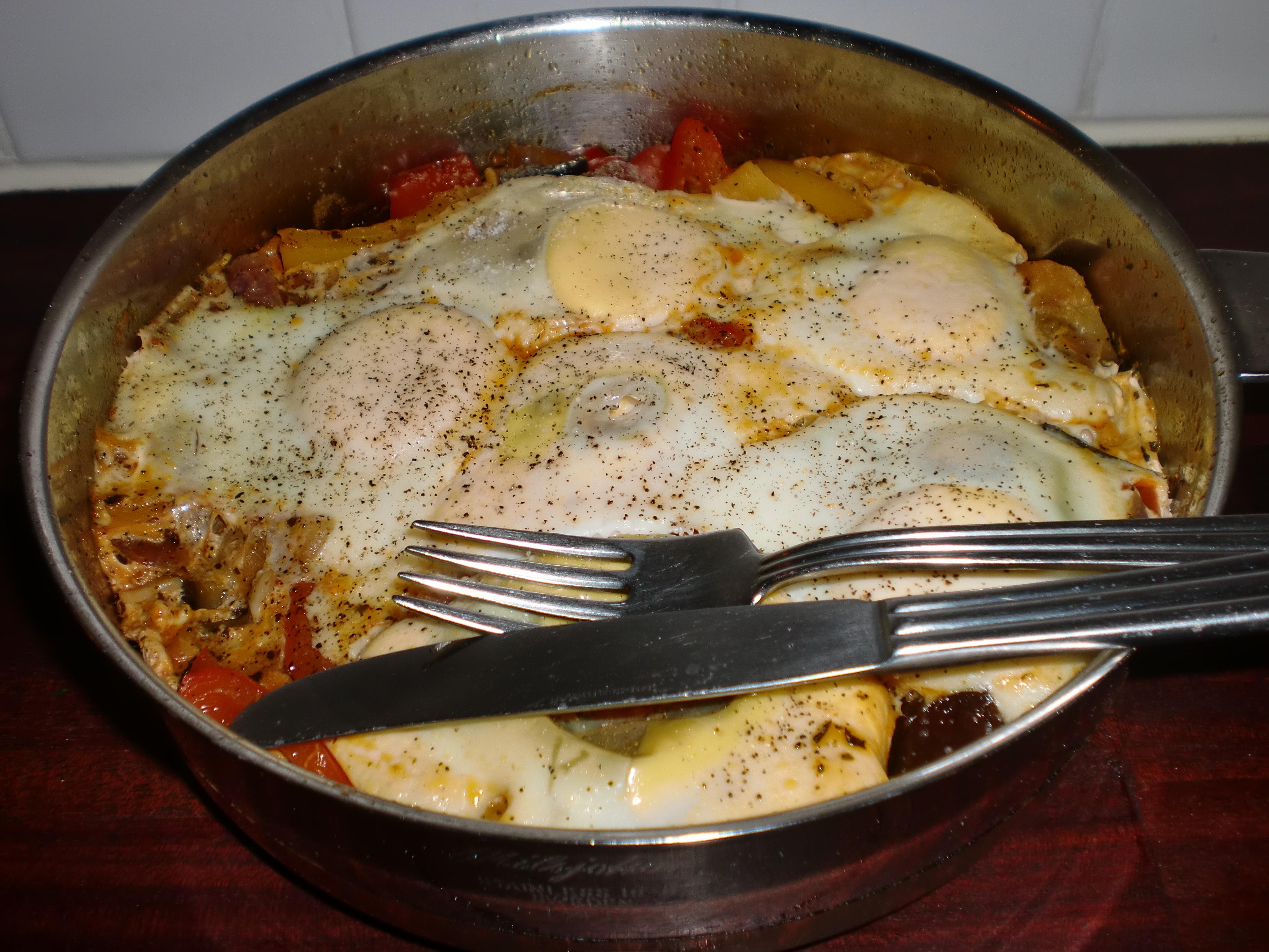 Bakade ägg med ..