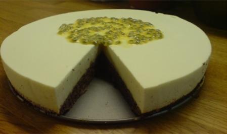 moussetårta med fläder och passion