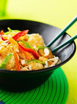 thai kyckling kokosmjölk röd curry wokgrönsaker