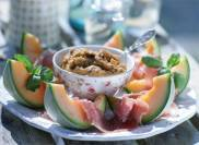 Auberginekaviar med melon och parmaskinka