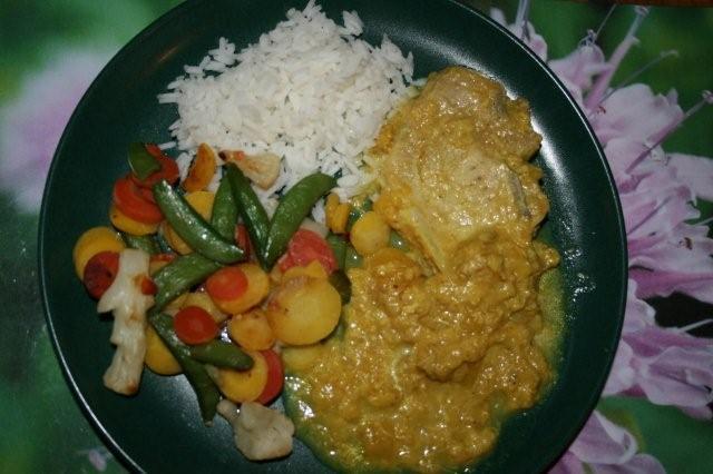 Fläskkotletter med frukt och curry