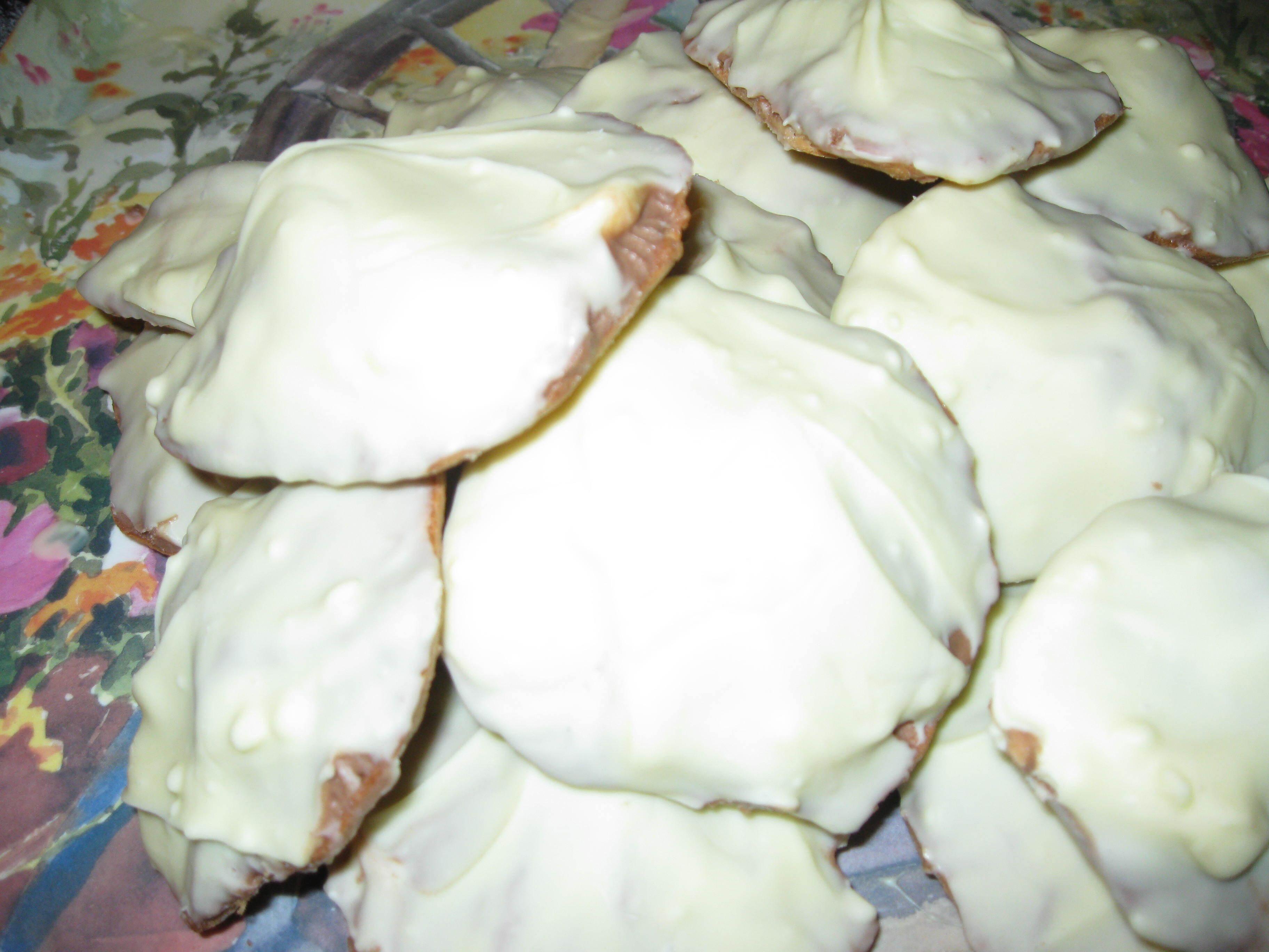 mandelkaka med smörkräm