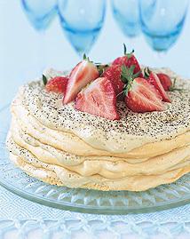 Maräng- och mockamoussetårta