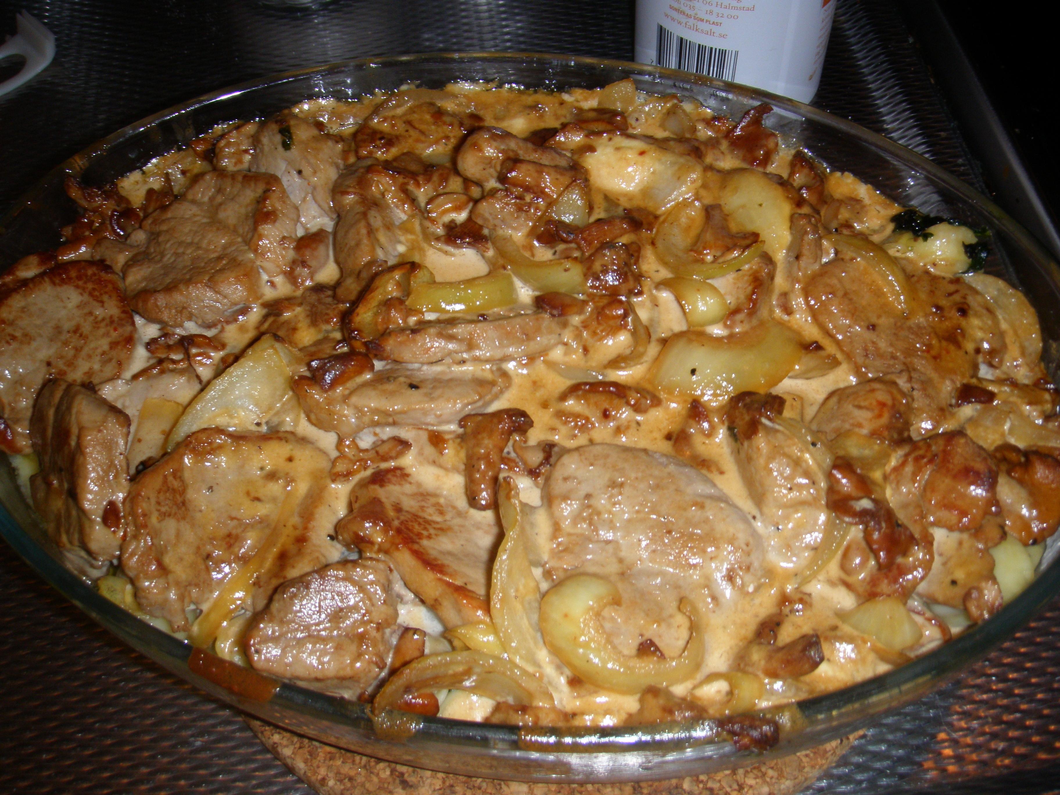 Drömsk tortellini och fläskfilegratäng med svamp och bladspenat!