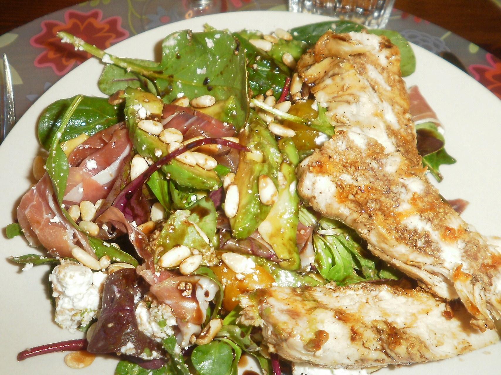 Kyckling med chévresallad och balsamicosirap