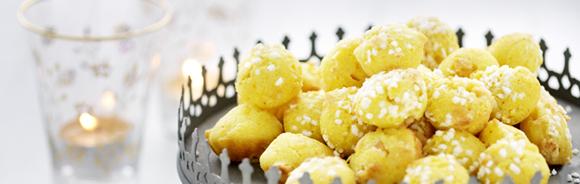 mjuk saffranskaka med mandelmassa