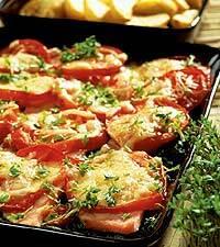 Ostgratinerad kassler och tomat
