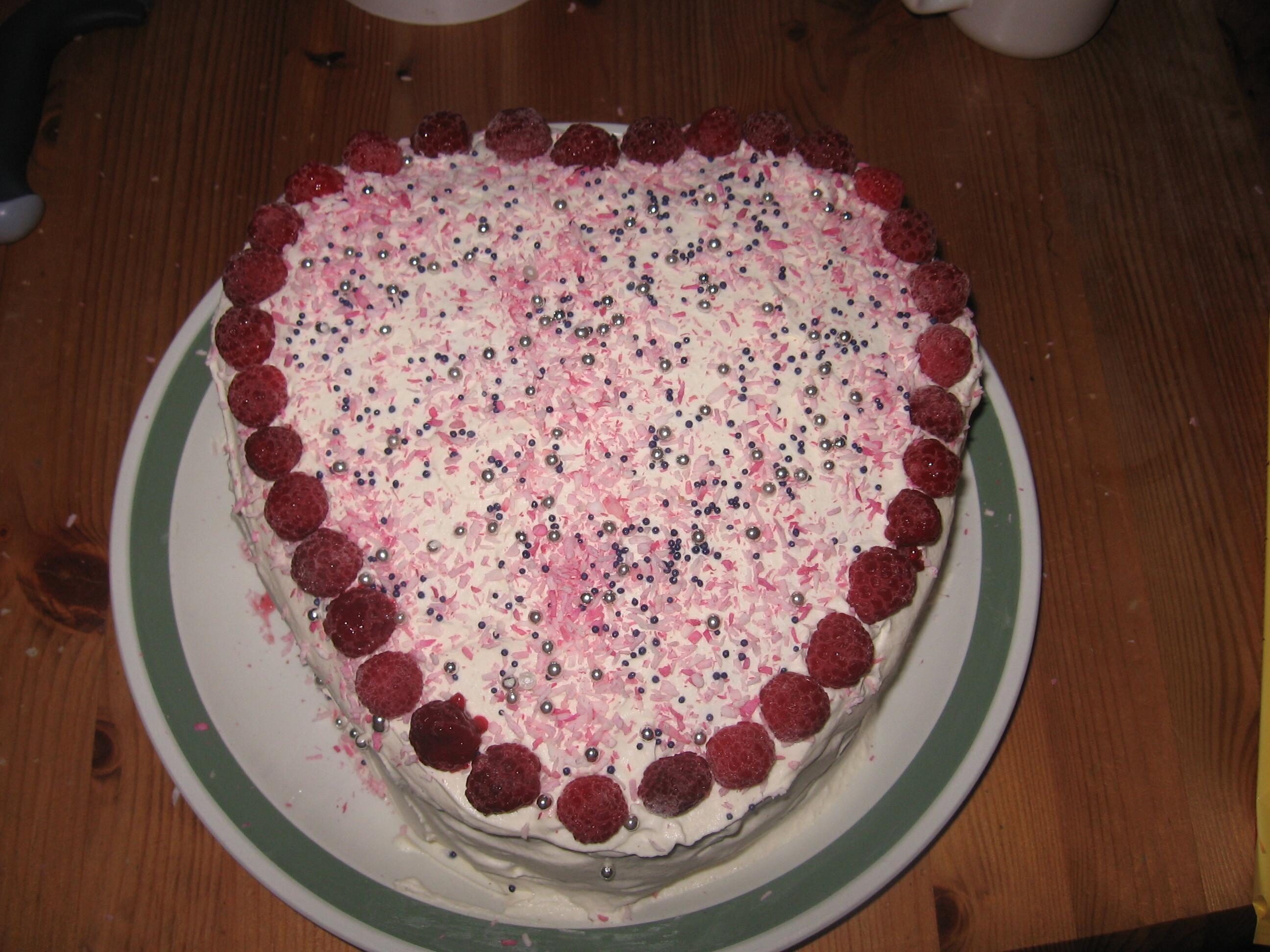 jordgubbs tårta