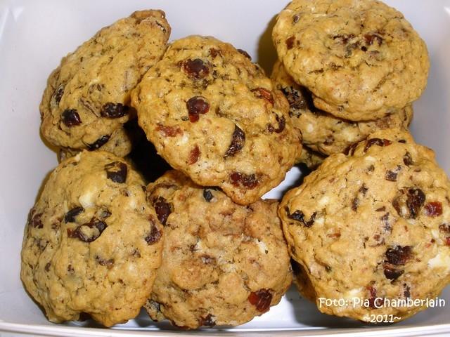 Havrekakor med vit choklad och tranbär - Cranberry white chocolate  oatmeal cookies