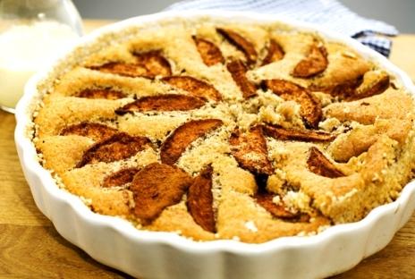 Amerikansk äppelkaka med varma äpplen.