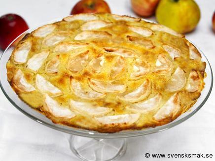 Lyxig äppelpaj med vaniljkesella