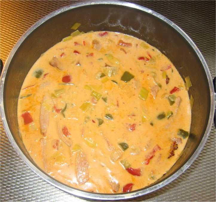 Monikas kasslergryta med paprika, chili och purjolök